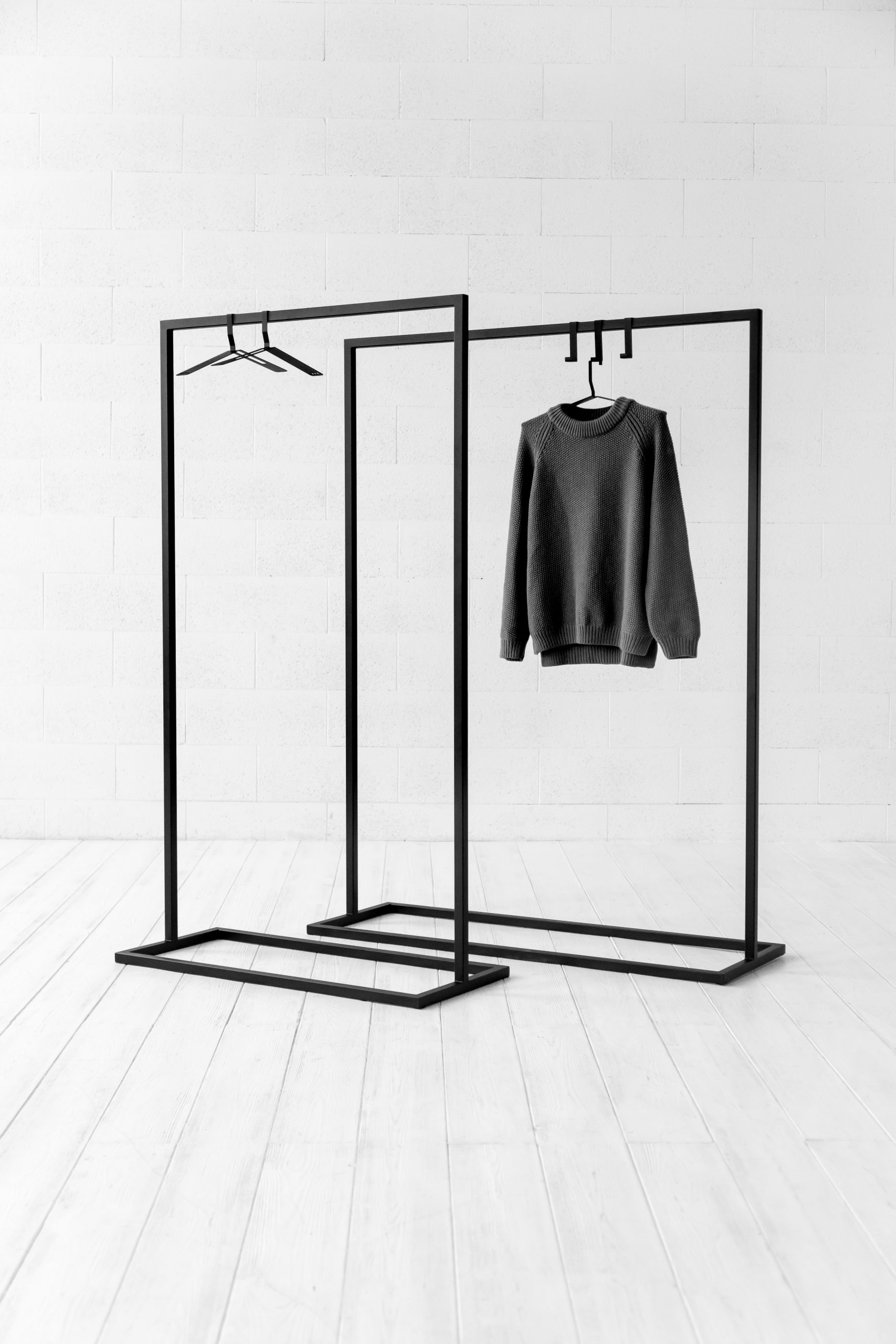 USUAL clothing rack