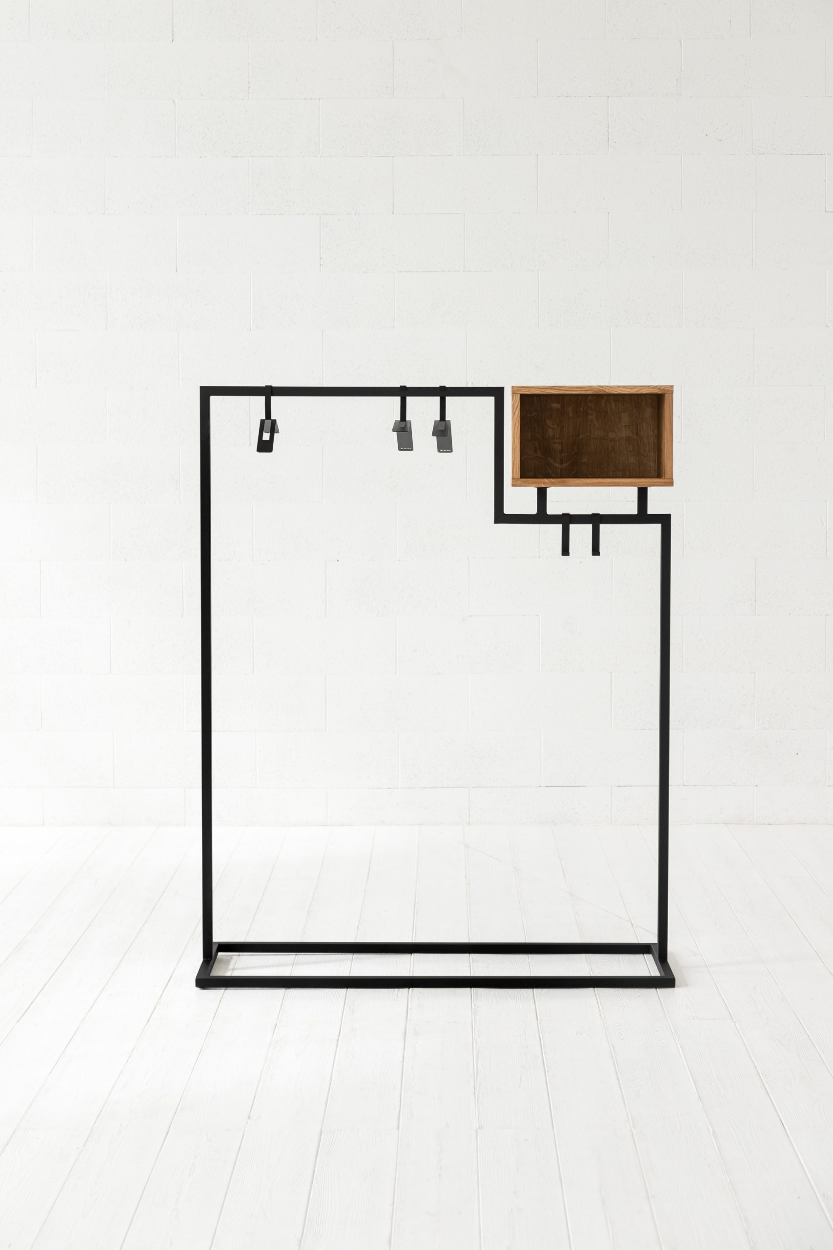 HOMELY clothing rack