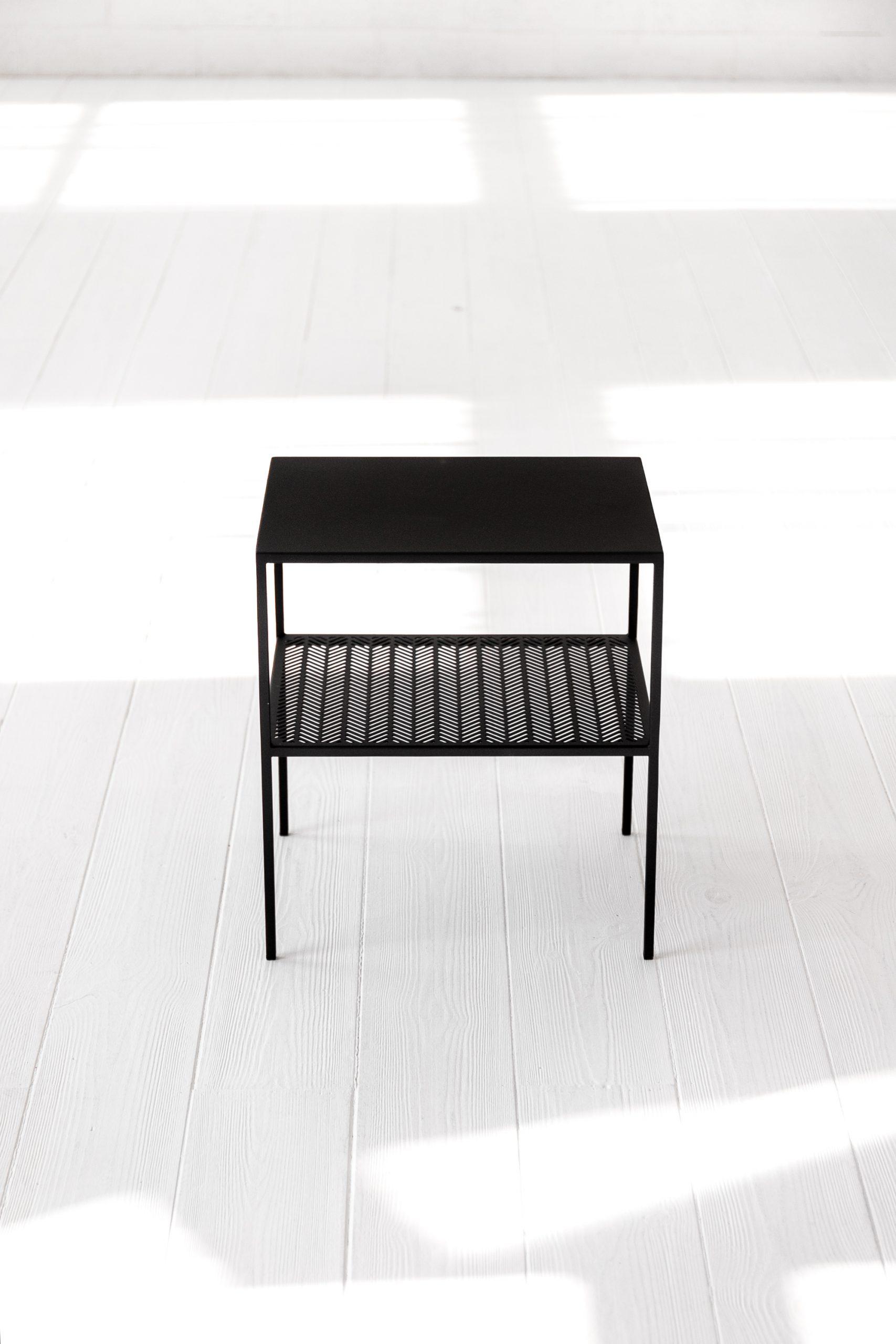 WOVEN lovos staliukas