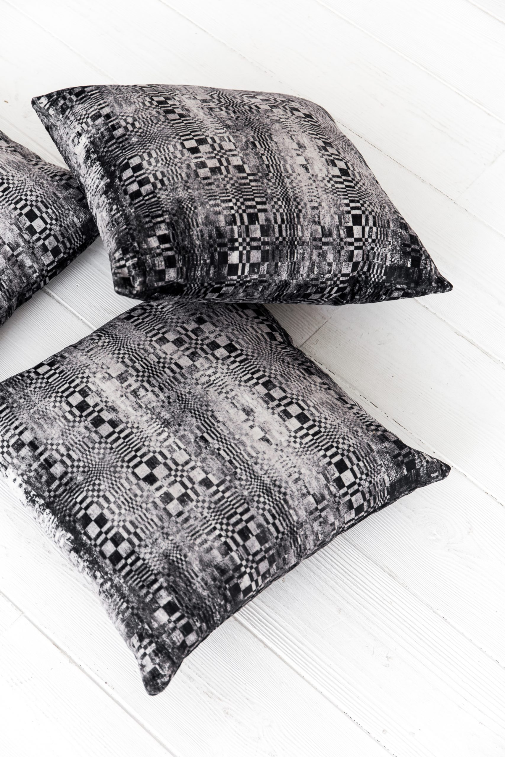 RAŠTAI pagalvė