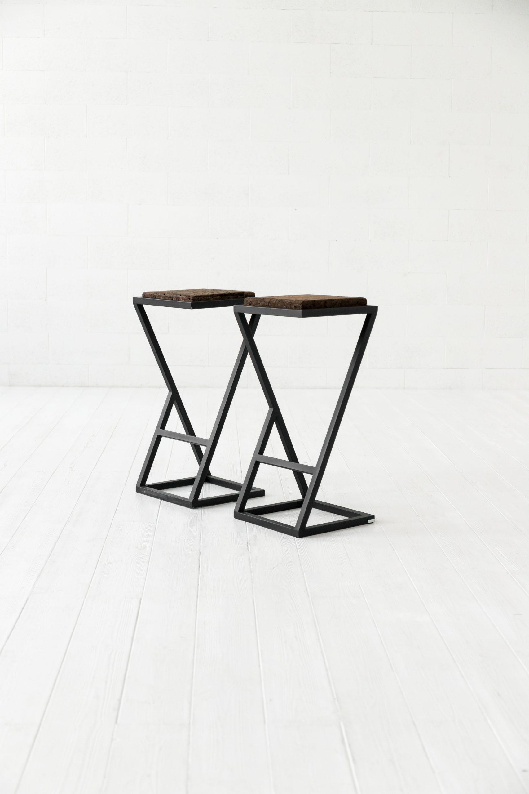 X bar chair