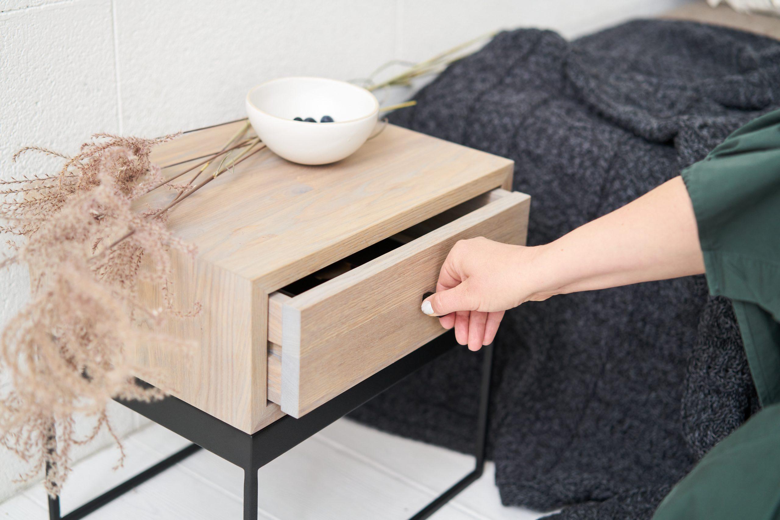NOTE lovos spintelė