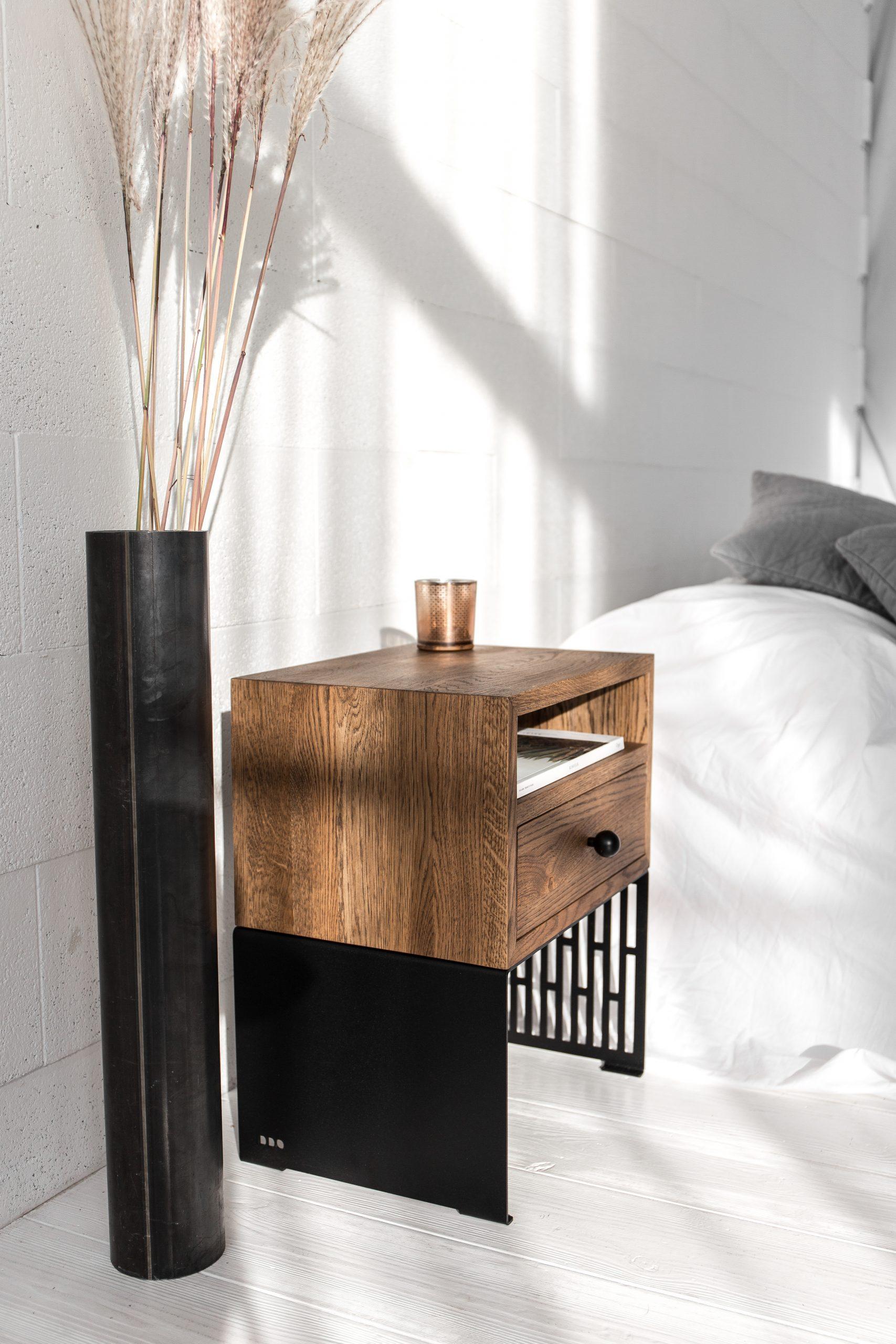 PATTERN lovos spintelė
