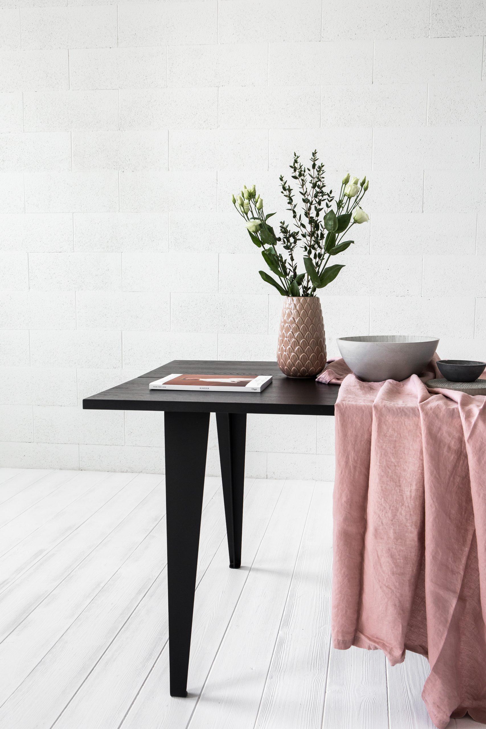 MAIN pietų stalas